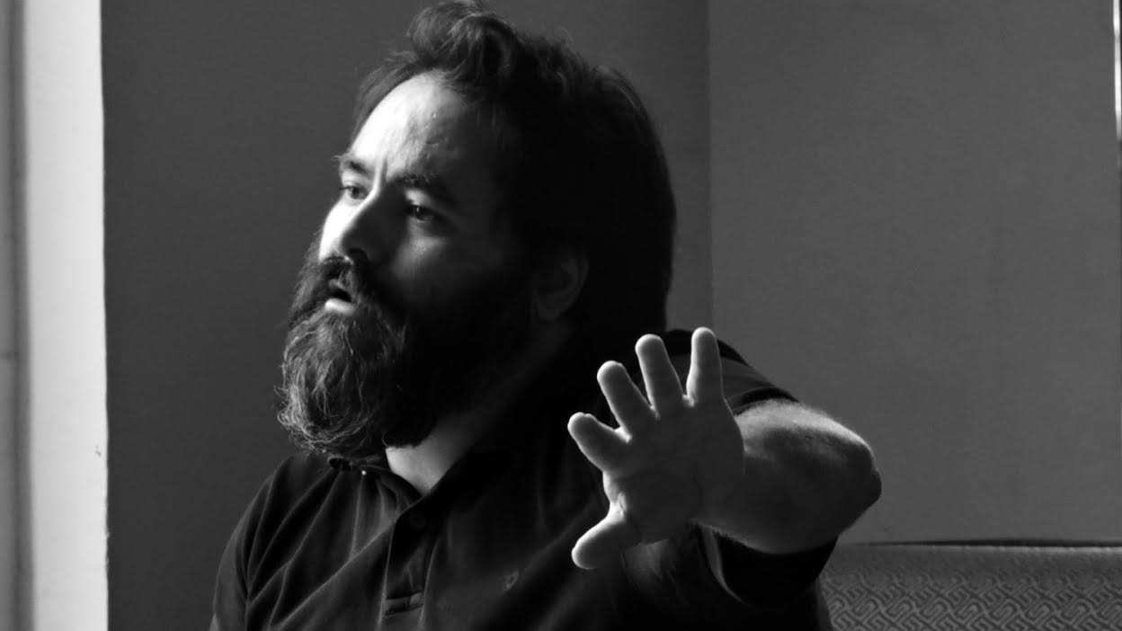 «Frente a la necesidad de estar hiperconectado, la escritura es lo más vanguardista»: Antonio Jiménez Morato