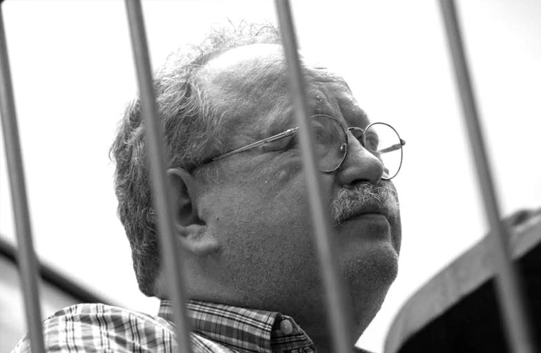 «Inventamos monstruos cuando la vida se vuelve totalmente intolerable»: Jorge Fondebrider